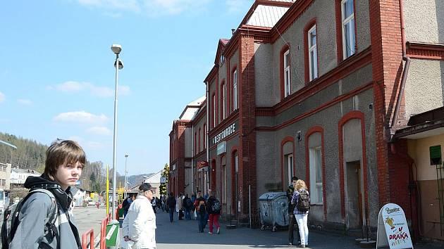 Náchodské nádraží.