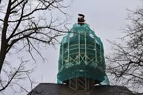 Osazením restaurovaných atributů sv. Barbory včetně makovice na sanktusník věže kostela sv. Barbory v Otovicích zapadl další kamínek do stále zkrášlující se mozaiky nazvané Broumovská skupina kostelů.
