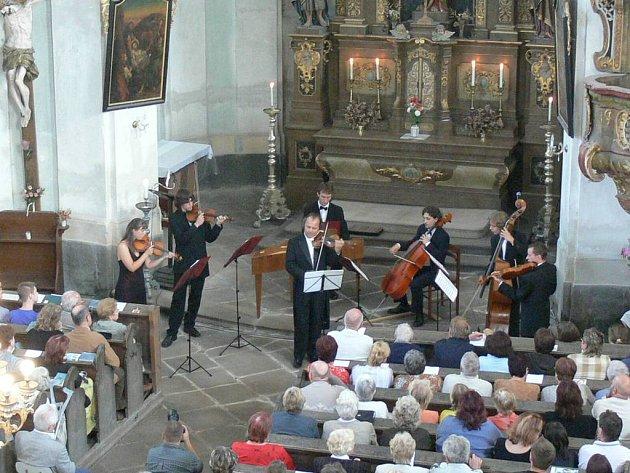 Hudba v kostelech.