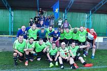 SUVERÉNNÍM vítězem Jopeco Okresního přeboru mužů se stali fotbalisté Jiskry Česká Skalice, kteří v šestadvaceti zápasech nasbírali 65 bodů a nastříleli v nich 113 branek.