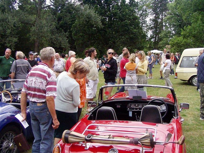 V Ratibořicích mohla veřejnost obdivovat autoveterány.