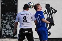 NÁVRAT do základní sestavy okořenil náchodský útočník Jan Plšek (vpravo) gólem naděje na 3:2.
