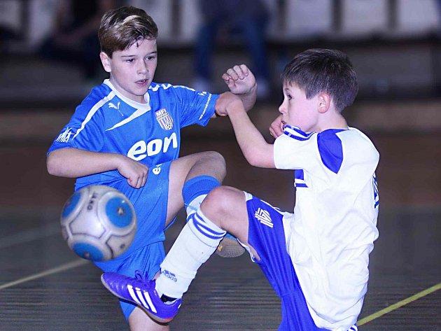 MLÁDEŽNICKÝ fotbalový turnaj přivábil osmičku týmů z Čech i ze sousedního Polska.