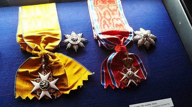 Řády a medaile ze sbírky  šlechtického rodiny Schaumburg-Lippe.