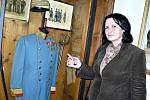 Součástí expozice je i uniforma z období války prusko-rakouské 1866 opatřená řády.