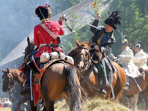"""V """"Českém koutku"""" ležícím na území Polska se v neděli konala ukázka bitvy, která se konala 27. června 1866 u Náchoda a ve které se střetly Pruská a Rakouská vojska."""