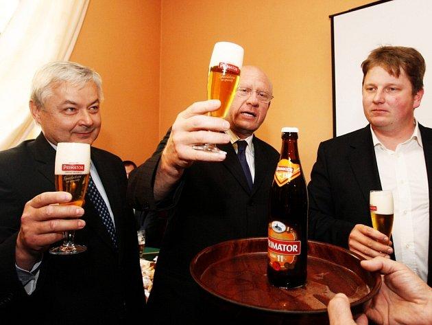 Pokřtili jedenáctistupňové pivo Primátor.