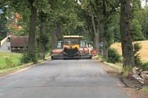 OPRAVENÁ silnice od Pasou do Broumova řidičům uleví. Dokončovací práce budou probíhat za provozu.