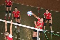 Juniorky náchodské Rubeny si na úvod ligové soutěže připsaly dvě vítězství 3:0 nad Jičínem.