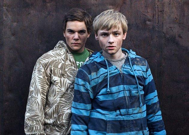 Jakub Štěpán (vpravo) v Daleko od Nashvillu.
