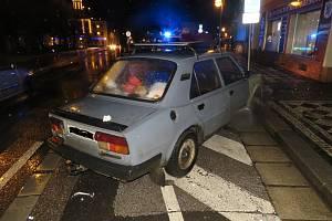 Nepozorní chodci odnesli střety s auty lehkými zraněními