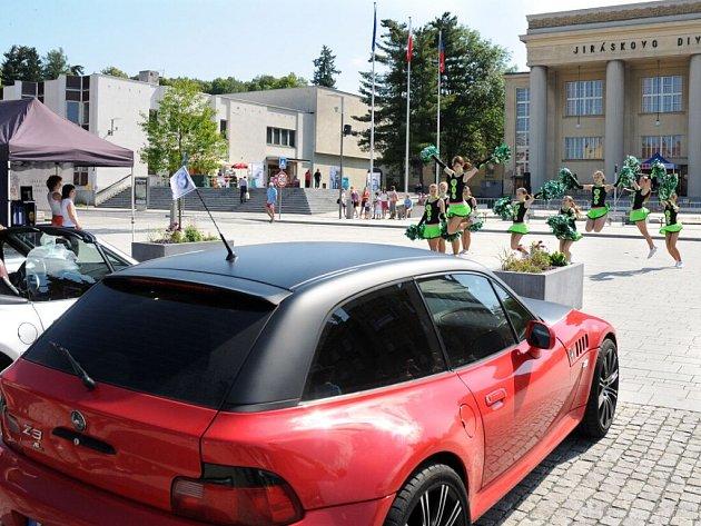 V Hronově si dali sraz majitelé vozů BMW Z3.