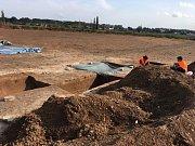 Pokračování výstavby dálnice D11 předcházel největší archeologický záchranný průzkum v historii České republiky.