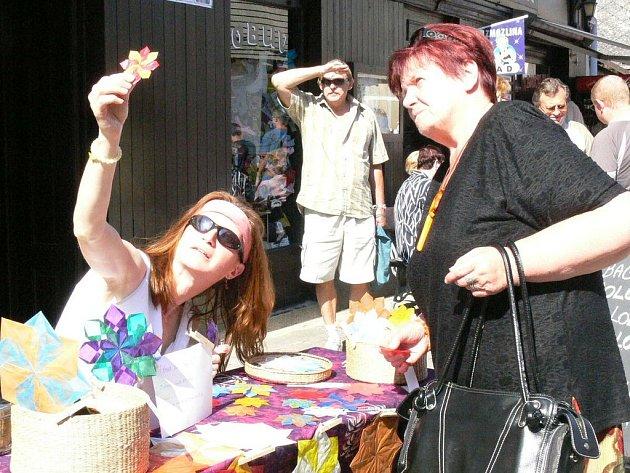 Zájem návštěvníků Kramaření o ručně vytvořené výrobky byl obrovský.