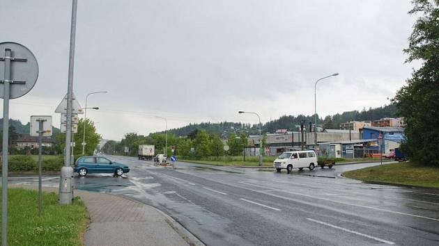 Křižovatka u Kauflandu.