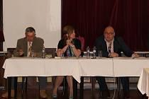 Na jednání Zastupitelstva města (ZM) Náchoda byli zvoleni noví členové vedení města Náchoda.