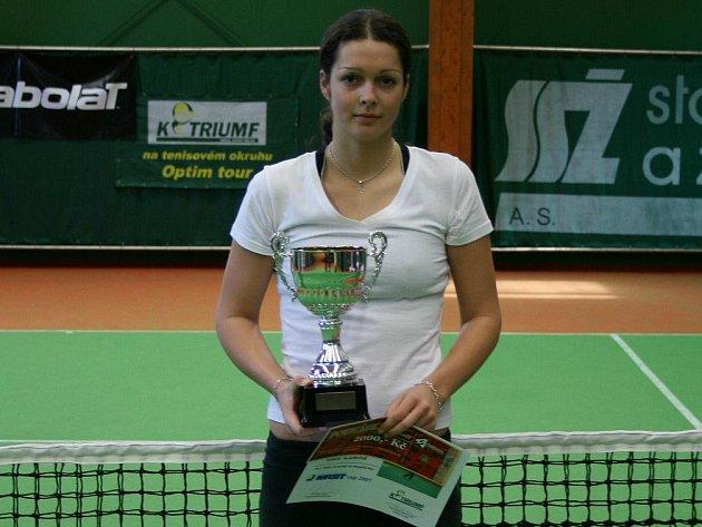 První nasazenou v K–Triumfu bude Tereza Hladíková, patnáctá tenistka Česka a 343. na světovém žebříčku.