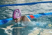 LUCIE KRAMLOVÁ si vyplavala na Velké ceně Trutnova stříbro na 100m znak a bronz na 100m prsa.