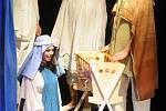 """Divadelní útvar, """"Hej, člověče boží"""", jehož kořeny sahají až do 13. století, sehráli herci Divadelního souboru Hronov v režisérském nastudování Rostislava Hejcmana."""