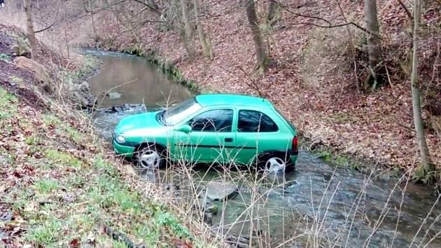 Havárie osobního automobilu v Polici nad Metují.