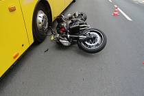 K nehodě do Žabokrk spěchali i záchranáři.