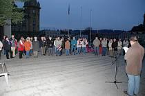 V Hronově uctili památku obětem komunismu.