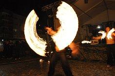 Festival zakončily koncerty i ohnivá show.