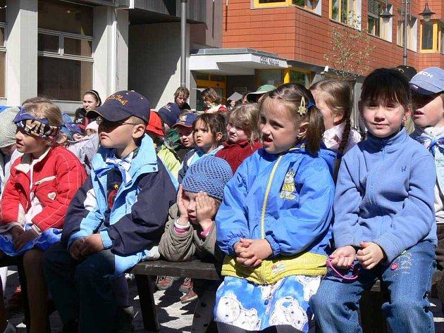 Stovky návštěvníků, dětských i dospělých, přilákal do Náchoda 10. ročník Náchodské Prima sezóny.