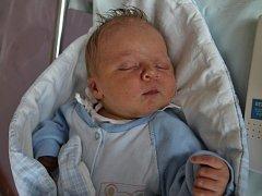MAREK DZURKO z Náchoda se narodil 11.dubna 2017 v 7.10 hodin. Chlapeček vážil 3940 gramů a měřil 48 centimetrů. Ze svého prvního děťátka se radují rodiče Kristýna Marková a Marek Dzurko.