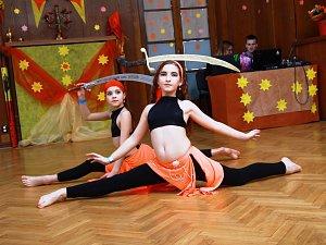 """Středisko volného času Déčko v Náchodě už posedmé uspořádalo dvoudenní taneční soutěžní přehlídku """"Hvězda Orientu""""."""