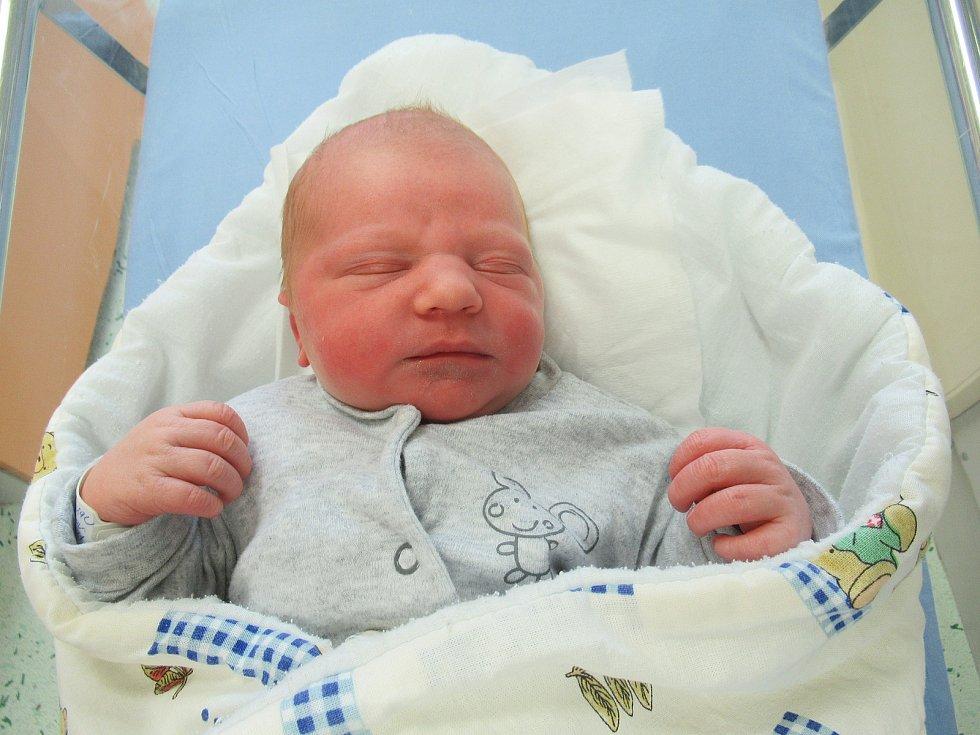 Martin se narodil ve středu 13. května 2020 ve 23:27 hodin. Chlapeček vážil rovných 3,50 kg a měřil 49 cm.