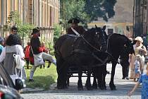 Díky dlouho očekávané akci Oživlý Josefov se pevnostnímu městu vrátila slavná vojenská minulost, kterou ochutnaly stovky návštěvníků.