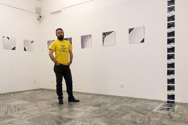 """Autorská výstava snázvem """"Pohled vzhůru"""" vGalerii výtvarného umění vNáchodě vroce 2019."""