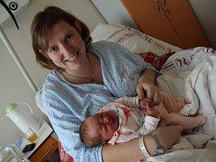 ELIŠKA ADÁMKOVÁ z Šonova u Provodova se narodila 31. ledna 2017 v 10.20 hodin. Její míry byly 3460 gramů a 51 centimetrů. Z holčičky se radují nejen rodiče Lucie a Jaroslav Adámkovi, ale i dvouletá sestřička Michaela.