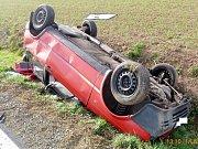 Havárie osobního automobilu u obce Křinice.