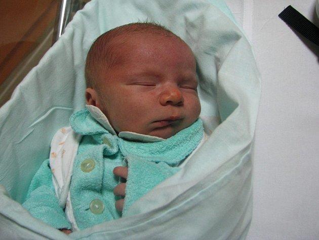 Petr Doubic, 3. 11. 2008, 15:25 hodin, 3,550 kg, 49 cm, Náchod.