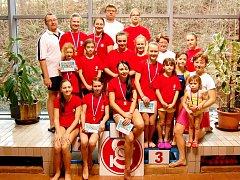 Z TRUTNOVSKÉHO bazénu se náchodské gymnastky vracely obtěžkané sedmi medailemi.