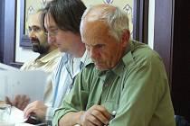 Náchodští zastupitelé jednali o výsledcích auditu. Uprostřed Miroslav Jindra (SNK-ED).