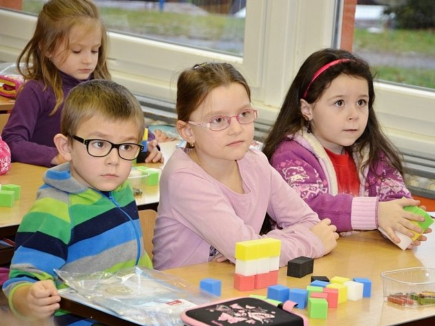 Den otevřených dveří v prvních třídách Základní školy Komenského v Náchodě.
