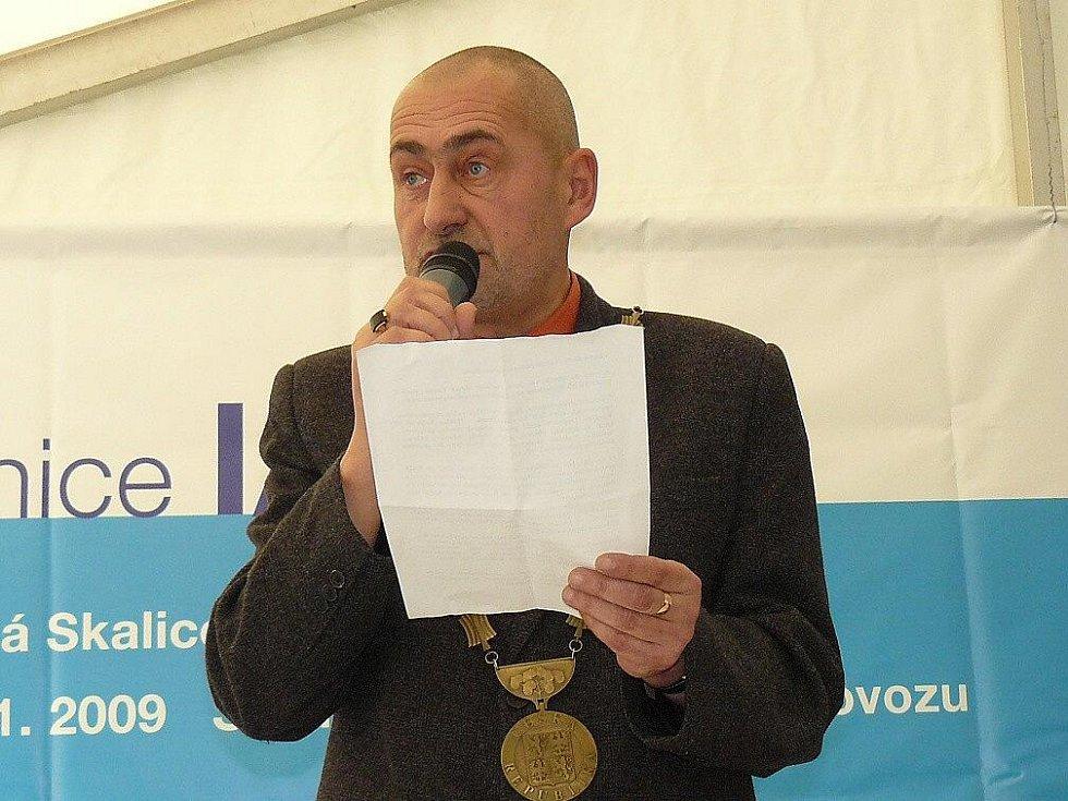 """""""Děkuji všem, kteří se zasloužili o dokončení obchvatu,"""" řekl starosta České Skalice Tomáš Hubka."""