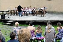 Promenádní koncert v parku Aloise Jiráska