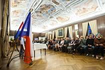 DEN VZNIKU samostatného československého státu, je v Novém Městě nad Metují každoročně spjat s udělováním ocenění význačným osobnostem.