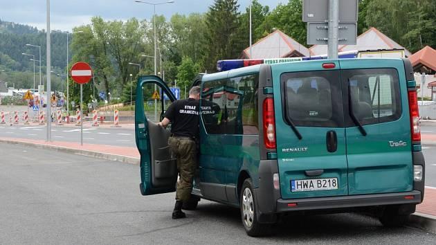 Kontroly na polské straně hranic. Ilustrační snímek.