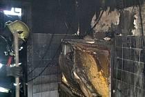 Požár koupelny bytu v Broumově.
