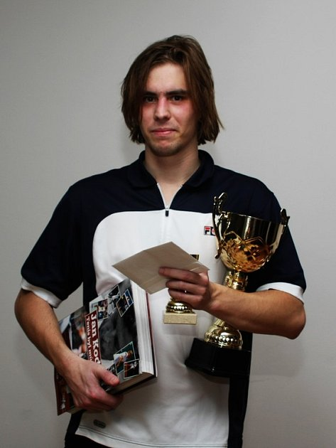 Vloni si Jakub Praibiš odvážel z K Triumfu pohár za vítězství v singlu, letos určitě tento pohár nezíská.
