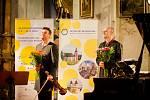 Tónům koncertu houslisty Jiřího Vodičky a klavíristy Martina Kasíka naslouchalo v otovickém kostele více než 197 návštěvníků, kteří do festivalových kasiček vhodili dobrovolné vstupné ve výši 15 698 korun, 90 polských zlotych a 10 euro.