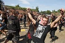Tři dny, dvě pódia, 75 kapel – to je vizitka festivalu Brutal Assault, jehož 16. ročník  se koná opět v josefovské pevnosti.