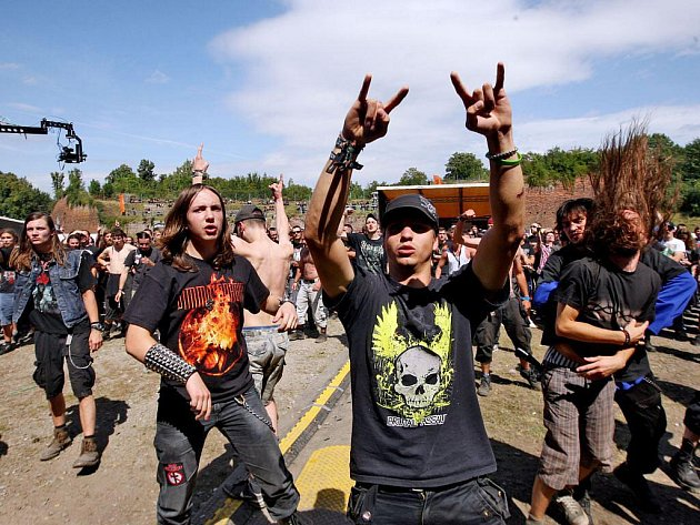 Festival Brutal Assault v josefovské pevnosti.