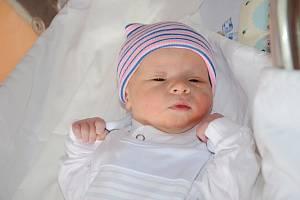 Matěj Brabenec z Police nad Metují je na světě! Narodil se 17. října 2019 v 6:15 hodin, vážil 3360 g a měřil 51 cm. Je prvním děťátkem maminky Hany Gumulákové a tatínka Marka Brabence.