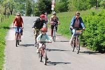 Více než tisíc cyklistů a chodců se v úterý ráno vydalo na tradiční Poříčské toulky, které vedly krásnou kopcovitou krajinou Jestřebích hor.
